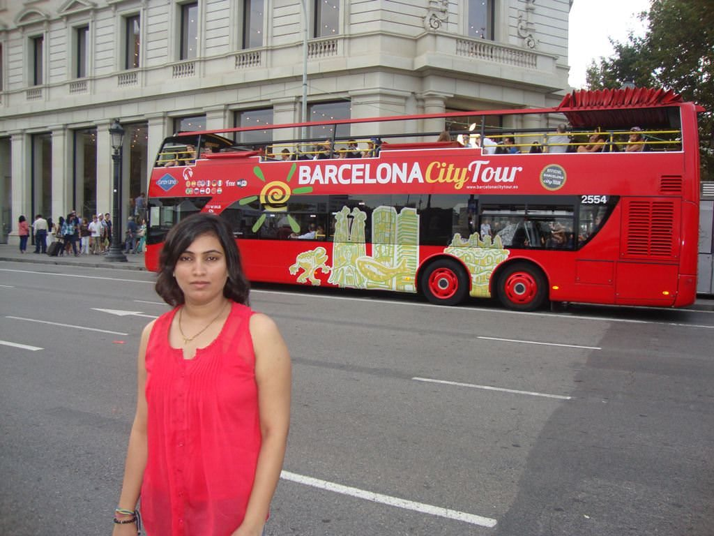 Barcelona city tour bus looks like an excellent option for Barcelona sightseeing.. This orange hop on hop off bus covers the sightseeing on east side of barcelona