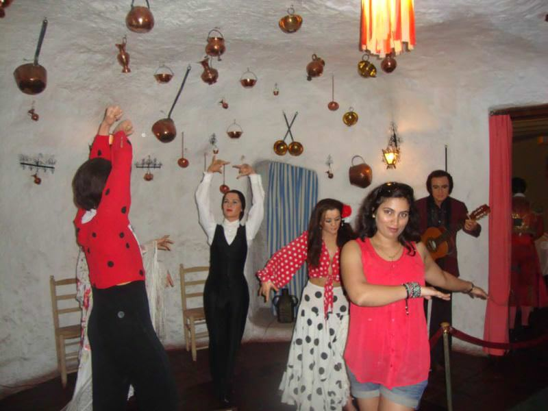 Museo de cera de barcelona. the dance section at Wax museum barcelona