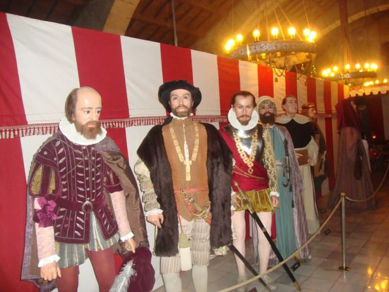 Museo de cera de barcelona. the history section at Wax museum barcelona