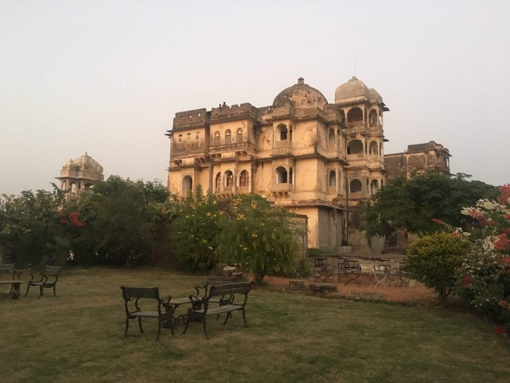 Palace hotels in fort at Bhainsrorgarh